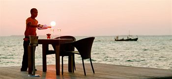 Lux Maldives Candlelight Dinner